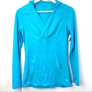 Mountain Hardwear blue pulllover with hood